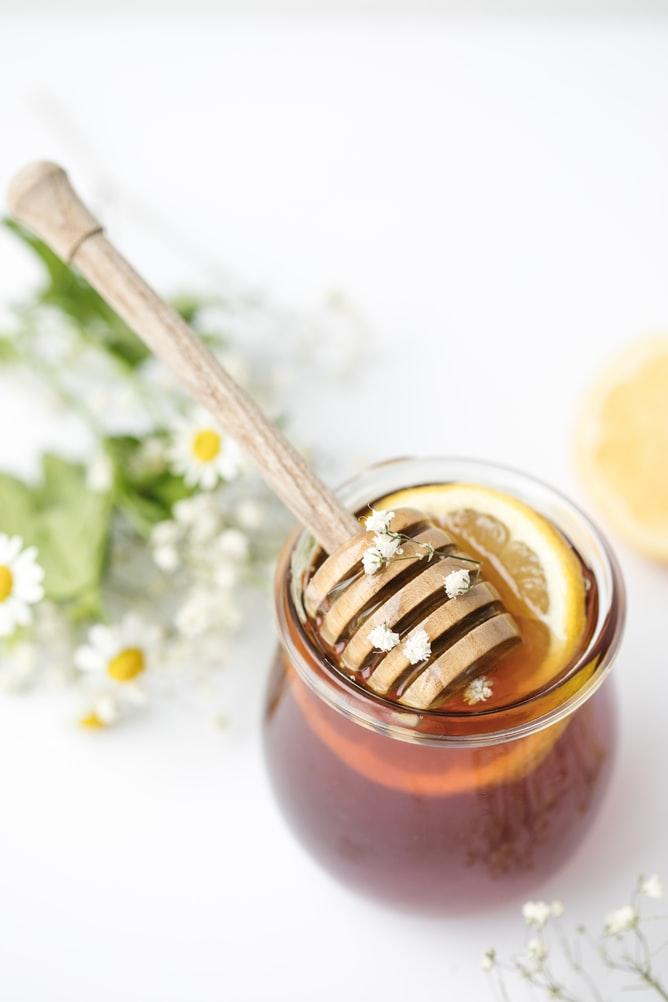 Le miel et la tisane : le duo gagnant